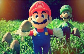 thinkhurt.com - Mario-and-Luigi-Mushroom-Fan-Art